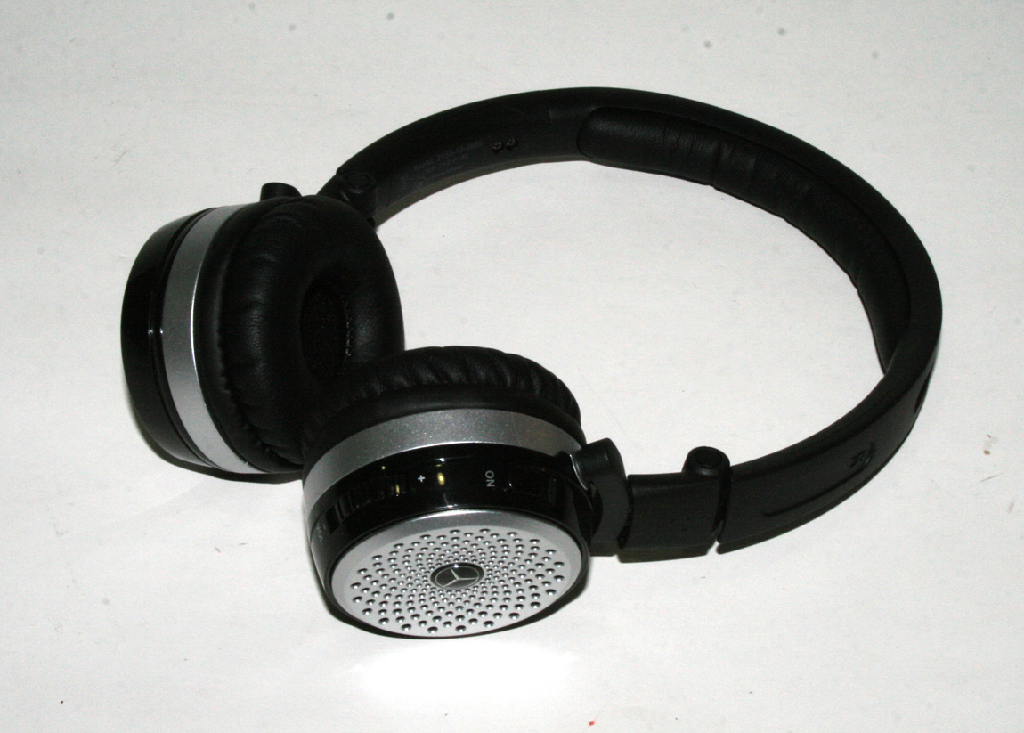 mercedes benz genuine akg p104 black wireless headphone